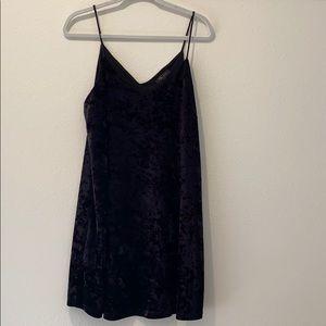 KLD NWT Crush Velvet Cani Slip Dress (L)